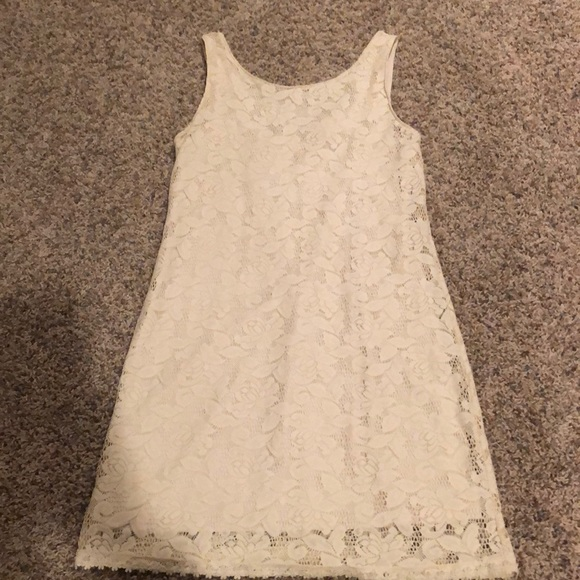 Candie's Dresses & Skirts - Candies size Small women's EUC lace style dress